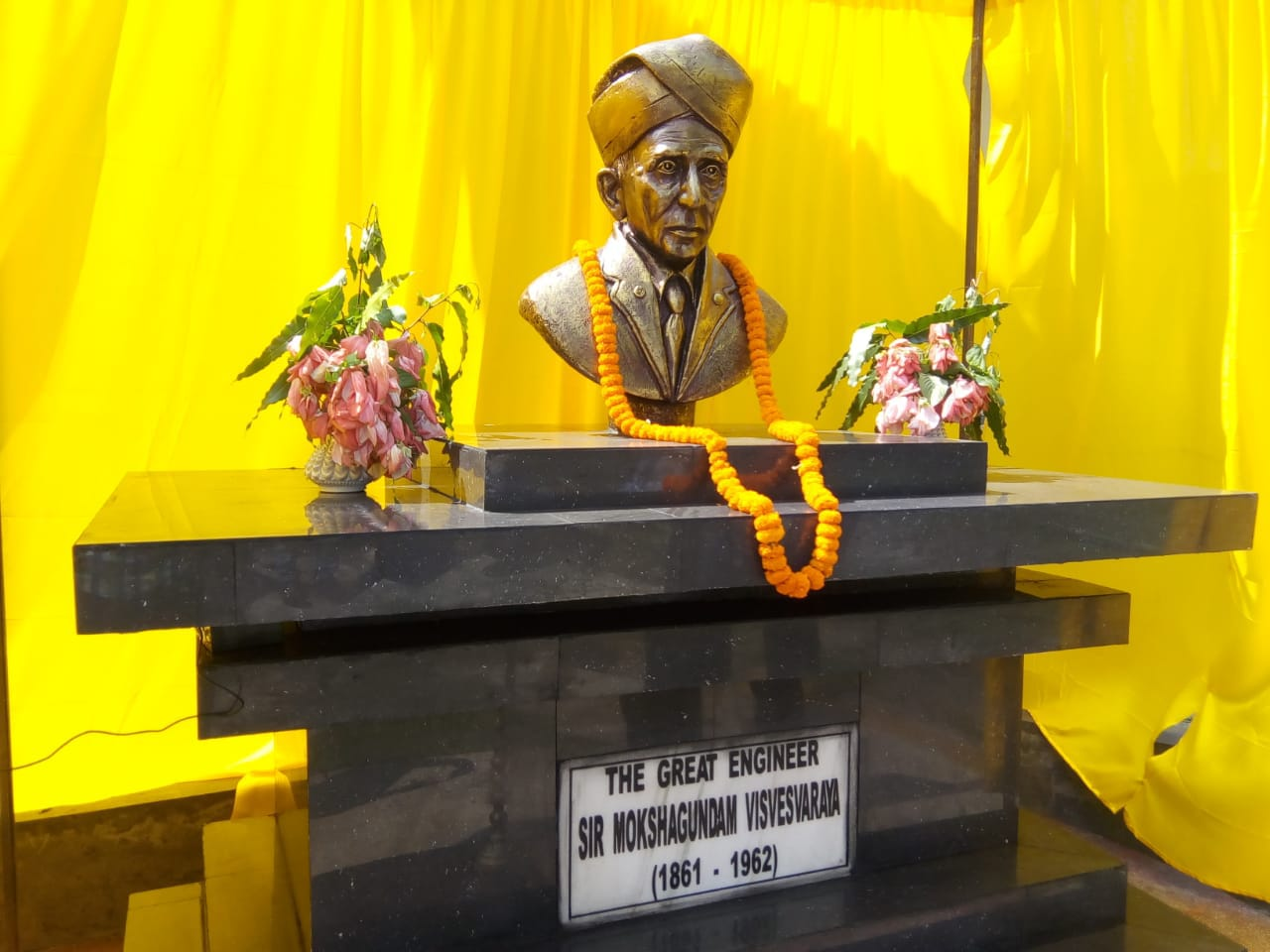 Statue unveiled of Sir Mokshagundam Vishweshvaraya (15 September 1861 – 12 April 1962) on the occasion of Engineer's Day at Silchar Polytechnic